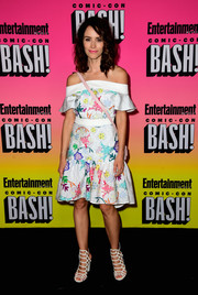 Abigail Spencer looked demure and pretty in a printed off-the-shoulder dress while attending the Entertainment Weekly Comic-Con party.
