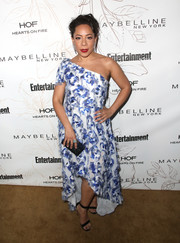 Selenis Leyva was summer-glam in a one-shoulder gown with a high-low hem during Entertainment Weekly's SAG Awards nominees celebration.
