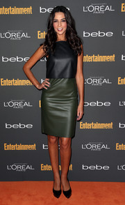 Terri Seymour wore a simple yet sophisticated two-tone leather dress to the Entertainment Weekly pre-Emmy party.