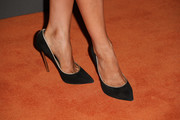 Beth Behrs kept it classic with black pointy pumps when she attended the Entertainment Weekly pre-Emmy party.