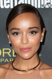 Ashley Madekwe paired her necklace with cute diamond sphere studs.