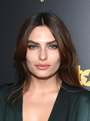 Alyssa Miller looked gorgeous wearing this face-framing center-parted 'do at the New York premiere of 'Entourage.'