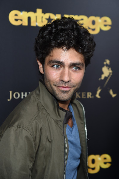 Adrian Grenier attended the New York premiere of 'Entourage' wearing his hair in a mop of curls.