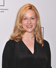 Laura Linney wore her golden hair in loose curls for the Equality Now 20th anniversary fundraiser.