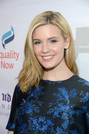 Maggie Grace kept it casual with this subtly wavy hairstyle at the Make Equality Reality Gala.