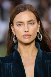 A pair of textured silver hoops finished off Irina Shayk's look.