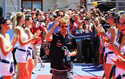 Race car driver Sebastian Vettel looked cool in these classic aviator sunglasses.