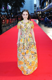 Kaitlyn Dever went for a goddess-of-spring vibe in a brightly colored floral gown by Andrew Gn during the 'Men, Women & Children' premiere in London.