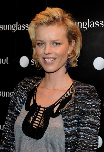 Eva Herzigova Bob [hair,hairstyle,blond,lip,premiere,long hair,layered hair,croydon facelift,style,smile,red carpet arrivals,eva herzigova,sunglass hut flagship,store,london,england,launch]