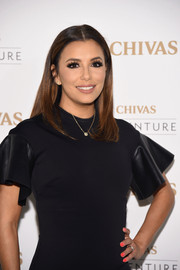 Eva Longoria's bright orange mani totally popped against her black dress at the Chivas The Venture's $1M Fund winner announcement.