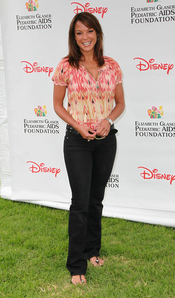 Eva la Rue Classic Jeans [a time for heroes event,clothing,footwear,jeans,premiere,long hair,flooring,top,t-shirt,style,arrivals,eva la rue,veterans administration lawn,california,los angeles,wadsworth theater,elizabeth glaser pediatric aids foundation]