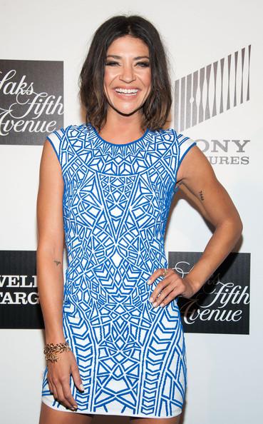 More Pics of Jessica Szohr Short Wavy Cut (3 of 8) - Short Hairstyles Lookbook - StyleBistro