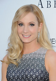 Joanne Froggatt's soft and bouncy waves simply stunned at the 'Downton Abbey' event.