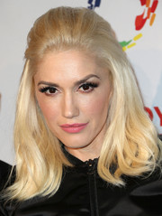 Gwen Stefani's pink lipstick went wonderfully with her golden hair.