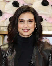 Morena Baccarin wore her hair in a feathery lob at the FAO Schwarz grand opening event.