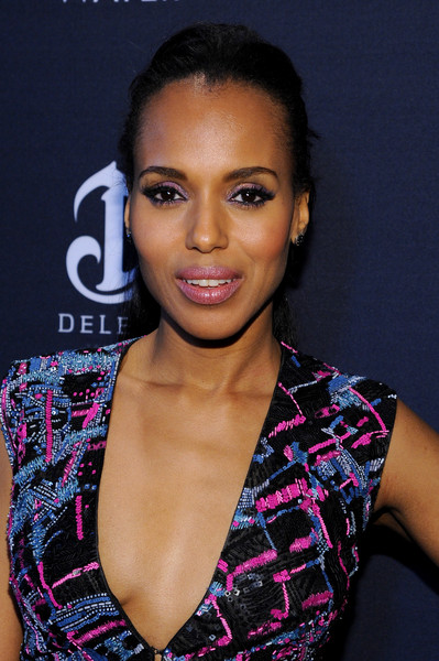 Kerry Washington's purple eyeshadow echoed the embellishments of her dress.