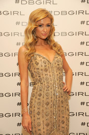Paris Hilton went all out with the sparkle for her FIT Gala look, pairing a gorgeous diamond bracelet with a beaded gown.