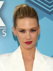 January Jones' red lippy looked vibrant against her white outfit!