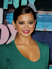 Noureen DeWulf wore a standout berry lipcolor at the FOX All-Star Party Arrivals.