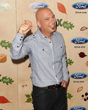 Howie Mandel went for a casual-yet-sophisticated feel with this striped baby-blue button-down.