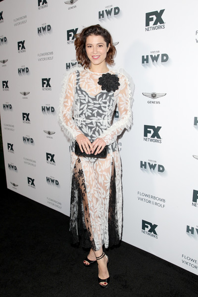 Mary Elizabeth Winstead completed her look with a pair of black satin platforms.