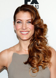 Kate Walsh looked absolutely charming at the 'Fargo' screening wearing this curly side sweep.