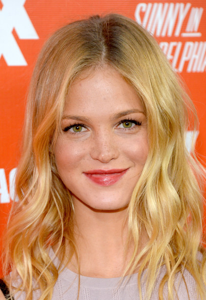 More Pics of Erin Heatherton Medium Wavy Cut (1 of 13) - Medium Wavy Cut Lookbook - StyleBistro