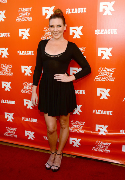 June Diane Raphael complemented her LBD with a pair of minimalist-chic platform sandals when she attended the FXX Network launch.