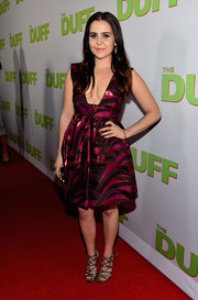 Mae Whitman showed some cleavage in a low-cut Saunder cocktail dress during the fan screening of 'The Duff.'