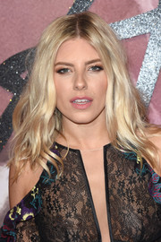 Mollie King sported boho waves when she attended the Fashion Awards 2016.