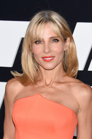 Elsa Pataky wore her hair with flippy ends and wispy bangs at the premiere of 'The Fate of the Furious.'