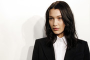 Bella Hadid wore a casual wavy hairstyle at the Fendi fashion show.