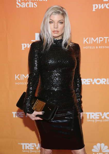 Fergie Oversized Clutch [trevor project,clothing,dress,fashion,lady,little black dress,fashion model,lip,latex clothing,blond,carpet,arrivals,fergie,beverly hills,california,the beverly hilton hotel,2017 trevorlive la gala]