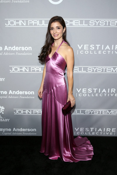 Shiri Appleby in Monique Lhuillier