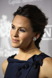 Jennifer Garner swept her hair back into a messy-glam French braid for the Baby2Baby Gala.