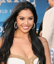Vanessa Bryant kept it natural with a simple center-parted 'do at the premiere of 'Brave.'