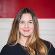 Drew Barrymore's Center Parted 'Do