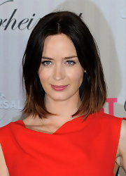 Emily Blunt showed off her grown-out bob with this super sleek straight 'do.