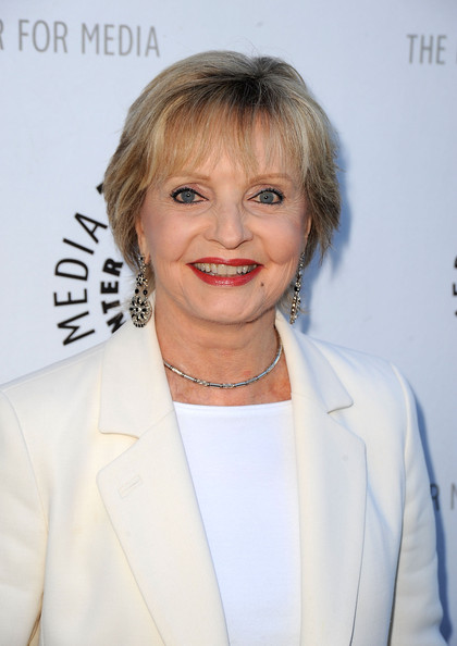 Florence Henderson Short Cut With Bangs []