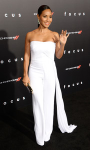 Jada Pinkett Smith looked impeccable in a strapless white Azzaro Couture jumpsuit at the premiere of 'Focus.'