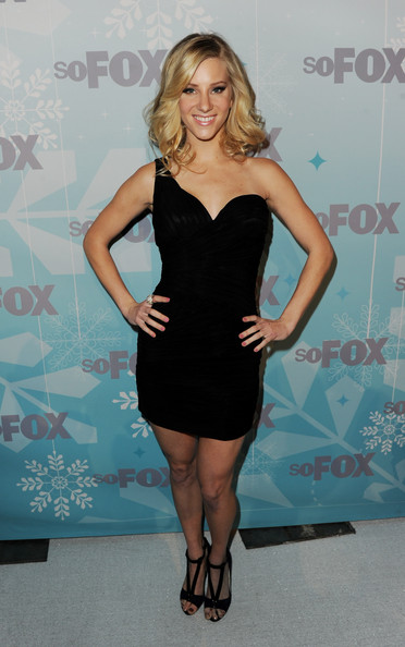 Heather Morris was a knockout in black strappy heels. The showstopping footwear was the perfect complement to her asymmetrical dress.