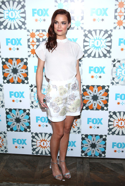 More Pics of Rebecca Rittenhouse Dress Shorts (1 of 14) - Pants & Shorts Lookbook - StyleBistro [rebecca rittenhouse,all-star party - arrivals,fox summer tca all-star,clothing,fashion,fashion model,turquoise,dress,footwear,aqua,shorts,street fashion,eyewear,house,california,west hollywood,soho,fox summer tca,party]