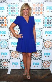 Mary Murphy kept it simple in this cobalt V-neck dress at the Fox Summer TCA All-Star Party.