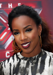 Kelly Rowland shows us how to do a ponytail the right way!