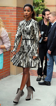 Kelly Rowland had fun with her look when she sported a black and white, long-sleeve frock.