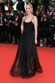 Jess Weixler worked the red carpet in an elegant Armani Prive beaded gown during the 'Foxcatcher' premiere.