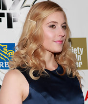 Greta Gerwig wore her hair in gorgeous bouncy curls, spruced up with a barrette, when she attended the 'Frances Ha' gala presentation.