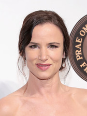 Juliette Lewis sported a vintage-glam chignon at the Friars Club event honoring Martin Scorsese.