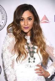 Alisan Porter sported lovely ombre waves at the Friars Club event honoring Tony Bennett.