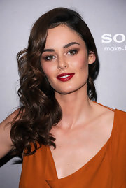 Model Nicole Trunfio opted for side swept curls and red hot lips for the 'Friends with Benefits' premiere.